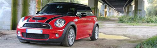 Mini Cooper 4 portes rouge